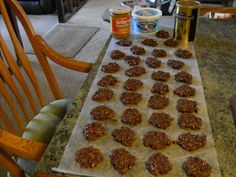SKINNY NO-BAKE COOKIES....Only 1 Weight Watchers point per cookie...eat 2 or 3 or 4