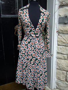 bb0409d00c DIANE VON FURSTENBERG 1970s Iconic Wrap Dress Diane Von Furstenberg