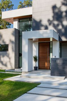 A Modern Smart House Best Modern House Design Modern with Modern House Entrance Designs Exterior Modern House Facades, Modern Architecture House, Modern House Plans, Architecture Design, Canopy Architecture, Big Modern Houses, Best Modern House Design, Modern Villa Design, House Front Design