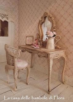 French baroque dressing table and stool - 1/12 dollhouse miniature