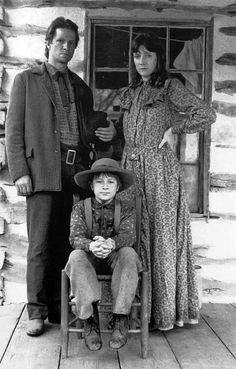 lonesome dove - July Johnson by Chris Cooper; Elmira Boot Johnson by Glenne Headly; Joe Boot by Adam Faraizl Lonesome Dove Quotes, Best Barbecue Sauce, Tommy Lee Jones, Robert Duvall, Cowboys And Indians, Real Cowboys, Western Movies, Western Film, Famous Monsters