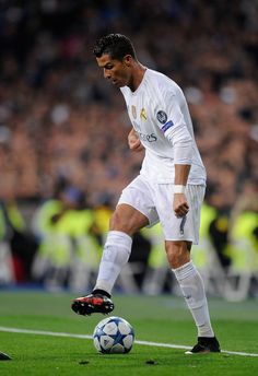 Cristiano Ronaldo of Real Madrid in action during the UEFA Champions League Group A match between Real Madrid CF and Paris Saint-Germain at estadio Santiago Bernabeu on November 3, 2015 in Madrid, Spain. (Nov. 2, 2015 - Source: Denis Doyle/Getty Images Europe)