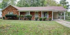 8190 VALLEY RIDGE TRL Memphis, TN 38016 Wonderful 4BR/2BA Home All on One Level ~ Wood Laminate Floors Throughout Majority of Home (No Carpet!) ~ Spacious Eat-In Kitchen w/ Lots of Cabinet