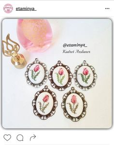 This Pin was discovered by Bpb Cross Stitch Borders, Counted Cross Stitch Patterns, Cross Stitch Embroidery, Hand Embroidery, Patchwork Tiles, Palestinian Embroidery, Silk Ribbon, Anniversary Gifts, Minis