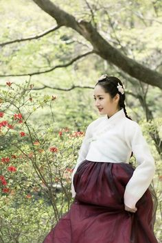 Queen for Seven Days (Hangul: 왕비; 7 Day Queen) is a South Korean television series starring Park Min-young as the titular Queen Dangyeong of Joseon, with Yeon Woo-jin and Lee Dong-gun. It airs on 신채경 역 박민영 Korean Hanbok, Korean Dress, Korean Outfits, Korean Traditional Dress, Traditional Fashion, Traditional Outfits, Queen For Seven Days, Park Min Young, Korean Drama Movies