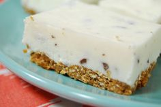 For those of you are obsessed with Greek Yogurt. Frozen Greek Yogurt Bars via Healthy Deserts, Healthy Sweets, Healthy Dessert Recipes, Delicious Desserts, Yummy Food, Healthier Desserts, Köstliche Desserts, Frozen Desserts, Frozen Greek Yogurt