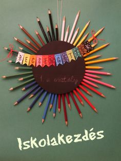 iskolakezdés Teacher Wreaths, School Wreaths, Teacher Thank Yous, Teacher Gifts, Projects For Kids, Diy For Kids, Crafts For Kids, Easy Crafts, Diy And Crafts