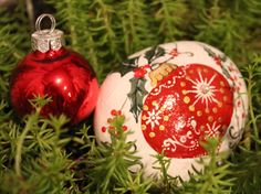 Hand painted Christmas Noel ornament stone by EmmysHeartsnCrafts