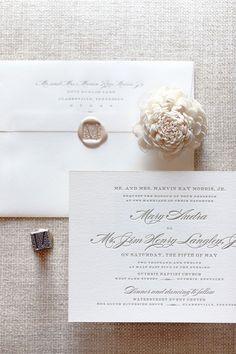 O que escrever em um convite de casamento clássico e informal