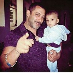 Salman with kid aawww soo lucky