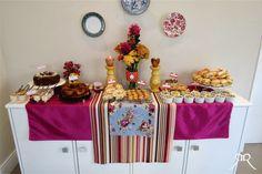 Festas em casa. Comidinhas e decoração.