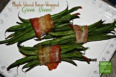 Maple Glazed Bacon-Wrapped Green Beans - (or substitute Turkey Bacon) Thanksgiving Recipes, Fall Recipes, New Recipes, Holiday Recipes, Cooking Recipes, Favorite Recipes, Vegetable Side Dishes, Vegetable Recipes, Green Bean Bundles