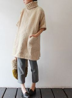 tiny people in giant sweaters. Knit Fashion, Look Fashion, Winter Fashion, Moda Crochet, Knit Crochet, Knit Cowl, Looks Style, My Style, Mode Inspiration