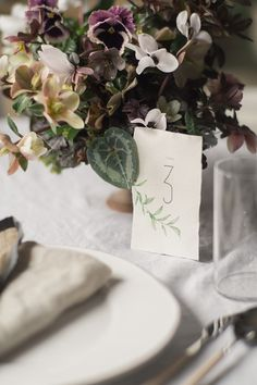 Hellebore wedding table decoration - beautiful hellebore wedding flower ideas for winter brides // The Natural Wedding Company Floral Centerpieces, Table Centerpieces, Wedding Centerpieces, Winter Bride, Wedding Company, Flower Backdrop, Wedding Table Decorations, Bridesmaids And Groomsmen, Easter Table