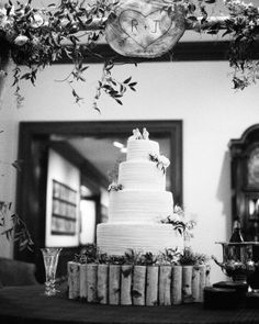 Jane's father made the cake stand, as well as the arbor over the table. He also cut a slice of wood, onto which Jane's mother burned a heart and the bride and groom's initials. It was a surprise for the newlyweds.