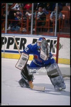 goaltender-jacques-cloutier-of-the-quebec-nordiques-mandatory-credit-picture-id224279 (408×612)
