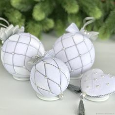 """Buy a set of Christmas balls """"Snowball"""" – Crafts Ideas Quilted Christmas Ornaments, Fabric Ornaments, Diy Christmas Ornaments, Christmas Wreaths, Christmas Gift Decorations, Christmas Crafts For Gifts, Styrofoam Ball Crafts, Natal Diy, Decoration Inspiration"""
