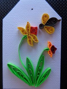 Quilled Gladiola Flower & Bee Tag by Karen Miniaci. Quilling Supplies from 'Quilled Creations'