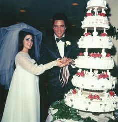 Elvis Presley and Priscilla , there were a happy days .....long time ago !