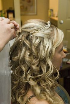 Wedding hair idea. I'm not a huge fan of tiaras but this one looks kinda cute