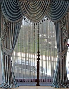 Classic Curtains, Elegant Curtains, Vintage Curtains, Curtains And Draperies, Home Curtains, Valances, Drapery Designs, Curtain Styles, Front Rooms
