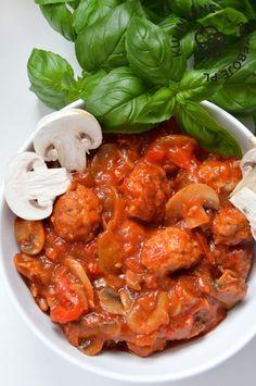 Bigos cygański z klopsikami Diet Recipes, Cooking Recipes, Healthy Recipes, Healthy Food, Cooking Prime Rib, Cooking Turkey, Cooking Quotes, Polish Recipes, Food And Drink