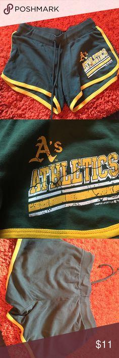 NBL campus lifestyle medium Athletes like new NBL campus lifestyle Athletics shorts like new.  String waist tie NBL Shorts