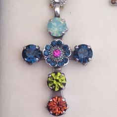 Mariana Jewelry Cross Pendent Necklace