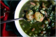 Posole de Camarones {Shrimp and Hominy Stew} #posadas #feliznavidad