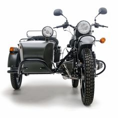 My future toy. Ural Motorcycle, Motorcycle Wheels, Car Wheels, Street Tracker, Scooters, Motos Retro, James And Giant Peach, Bavarian Motor Works, Adventure Gear
