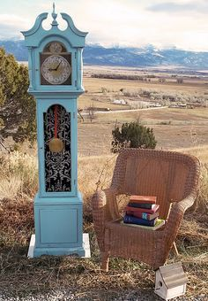 chalk paint grandfather clock. I'm doing this to my dated clock.