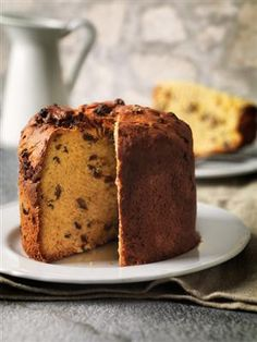 Uy Looks like Panetone-which I loveeee!    Schiacciata Pasquale (Tuscan Easter Cake)
