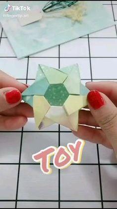 Instruções Origami, Origami Videos, Origami And Kirigami, Paper Crafts Origami, Origami Stars, Geometric Origami, Modular Origami, Heart Origami, Basic Origami