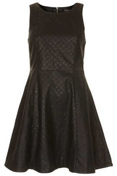 This Quilted Panelled Skater Dress (whoa XD) is great for those classy elegant parties, pair it with an outer outfit. Fit N Flare Dress, Unique Fashion, Womens Fashion, Fashion Trends, Skater Dress, Dress Up, Mode Unique, Dressy Dresses, Maxi Dresses