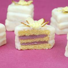 (Easy) White Chocolate Raspberry Petit Fours (tea party) Mini Desserts, Just Desserts, Delicious Desserts, Yummy Food, Wedding Desserts, Wedding Cakes, Mini Cakes, Cupcake Cakes, Cupcakes