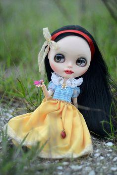 OOAK Custom Blythe doll by Art_emis Snow White by ByArtemis