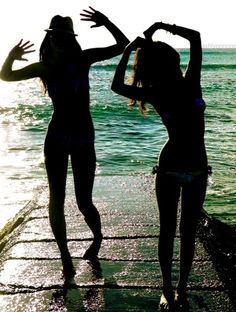MUST DO- its a cute Summer picture with a friend!