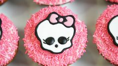 MONSTER HIGH CUPCAKES - NERDY NUMMIES This chick is Amaaaaazing.