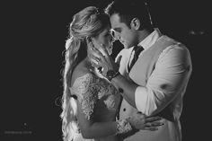 Vem ver que lindo o Casamento no Civil de Betina e Igor, com vista espetacular para a Baía de Vitória! Post super inspirador para as noivinhas de plantão: