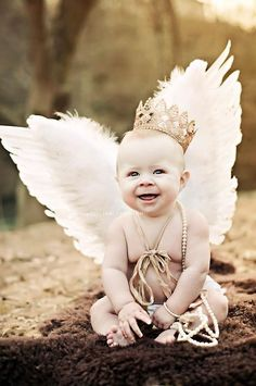 cutie with wings and a crown Infant Photography, Love Photography, Children Photography, Crown Pictures, Baby Pictures, Wings To Go, Beautiful Symbols, Baby Shower Prizes, Angel Babies