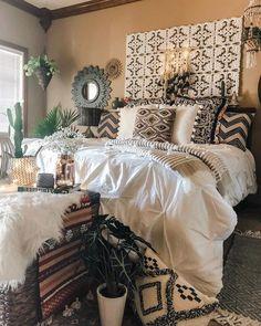 home decor - 41 Amazing Boho Bedroom Design Ideas Bohemian Bedroom Decor, Cozy Bedroom, Dream Bedroom, Home Decor Bedroom, Bedroom Romantic, Boho Decor, Bedroom Ideas, Earthy Decor, Bedroom Table