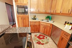A beautiful updated kitchen -and- live in Tarrytown.  Walk to Hula Hut and Maudie's, yes please!