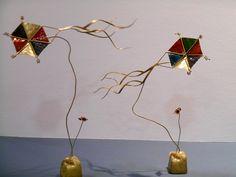 ΧΑΡΤΑΕΤΟΙ. ΑΠΟ ΜΕΤΑΛΛΟ ΚΑΙ ΣΜΑΛΤΟ. Wire Art, Metal Art, Handicraft, Diy And Crafts, Place Card Holders, Clay, Artwork, Christmas, House