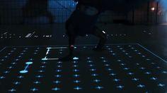 reflexion sur le mouvement, inspiration website, regroupement autoportrait,  Parquet générateur de formes géométriques directement inspirées des mouvements des danseurs.