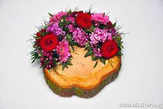 #Boomschijf #Arrangement | Floral Blog | Bloemen, Workshops en Arrangementen | www.bissfloral.nl Floral Arrangements, Centerpieces, Bouquet, Flowers, Desserts, Blog, Crafts, Floral Arrangement, Tailgate Desserts
