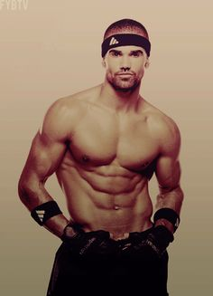 Shemar Moore shouldn't even be allowed to wear a shirt! hot-guys-things-they-should-say Pretty People, Beautiful People, Beautiful Babies, A New York Minute, Famous Men, Famous Faces, Famous People, Raining Men, Celebs