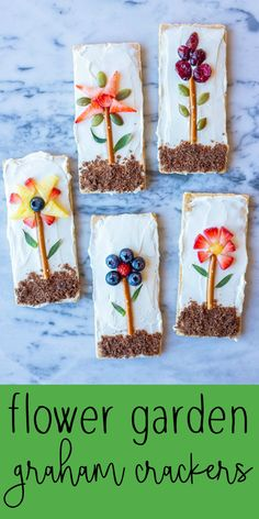 These Flower Garden Graham Crackers are so fun to make, beautful to look at and delicious to eat! Both you and your kids will love making them! Food Art For Kids, Fun Snacks For Kids, Cooking With Kids, Kids Fun Foods, Fun Food For Kids, Baking For Kids, Kids Food Crafts, Preschool Snacks, Kid Snacks