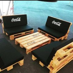 70 Creative Summer DIY Projects Mini Pallet Coffee Table Design Ideas And Remodel Diy Pallet Furniture, Diy Pallet Projects, Pallet Ideas, Furniture Plans, System Furniture, Kids Furniture, Garden Furniture, Bedroom Furniture, Furniture Chairs