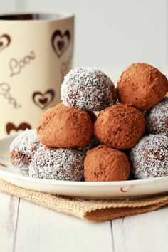Easy 5-ingredient vegan truffles. These no-bake truffles make a perfect snack or dessert and they're raw, gluten-free and delicious! #vegan #lovingitvegan #truffles #dessert #rawvegan #vegandessert | lovingitvegan.com