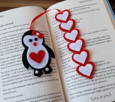 Pinguib-Herz-Lesezeichen crafts for kids for teens to make ideas crafts crafts Felt Bookmark, Bookmark Craft, Diy Bookmarks, Bookmark Ideas, Valentine Crafts For Kids, Christmas Crafts, Kids Crafts, Christmas Ornaments, Creative Kids